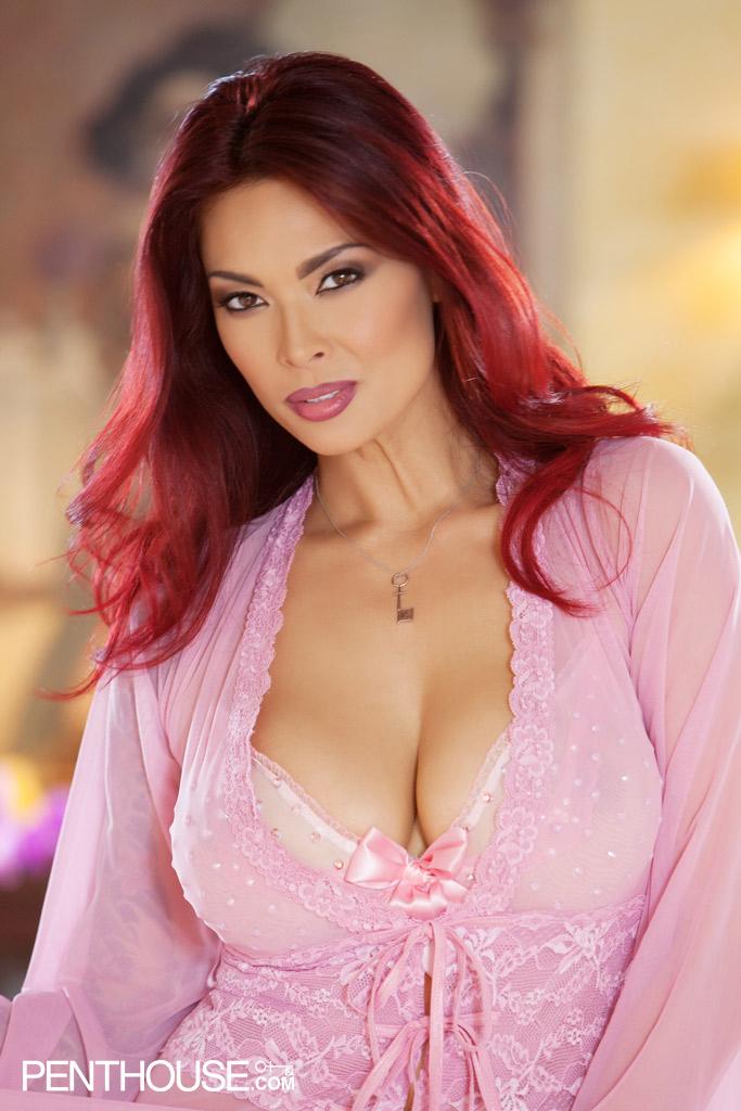 Tera Patrick Busty Babe Sheds Pink Lingerie