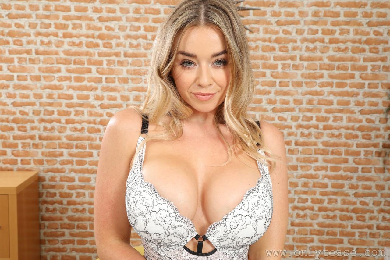 Blonde Milf Big Tits Mom